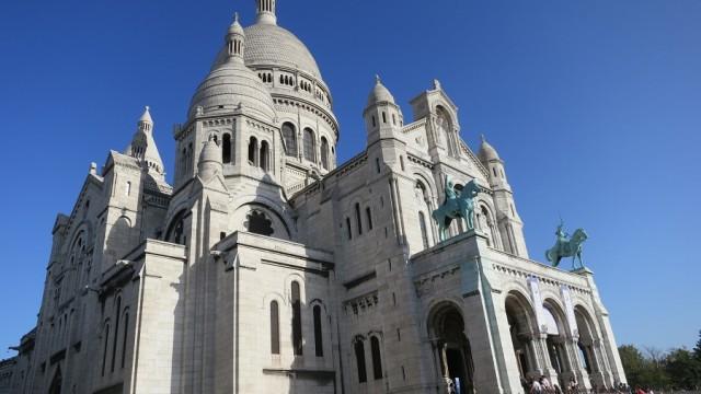 Sacre Coeur & its neighbourhood